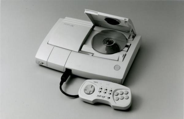 PCエンジンDUO-RX=1994年5月、NECホームエレクトロニクス提供