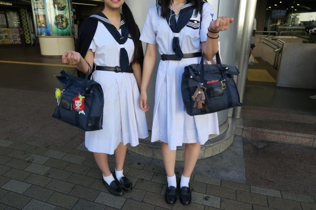 地域によって制服の傾向も様々。こちらは兵庫西宮市