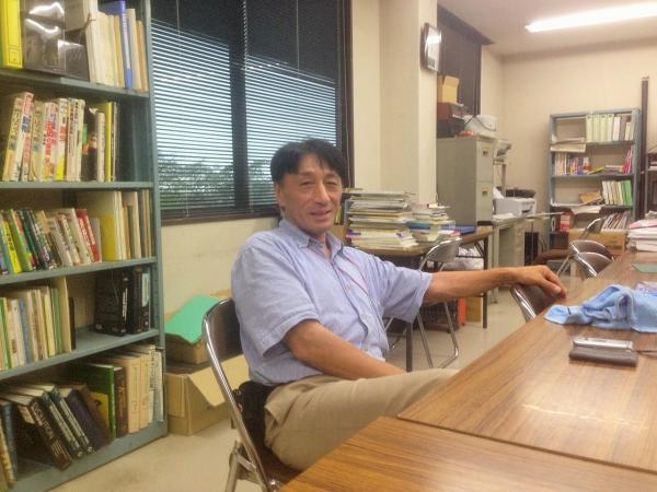 へび研主任研究員の堺淳さん=群馬県太田市