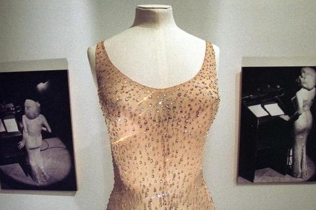 ケネディ大統領の誕生会での着用ドレス