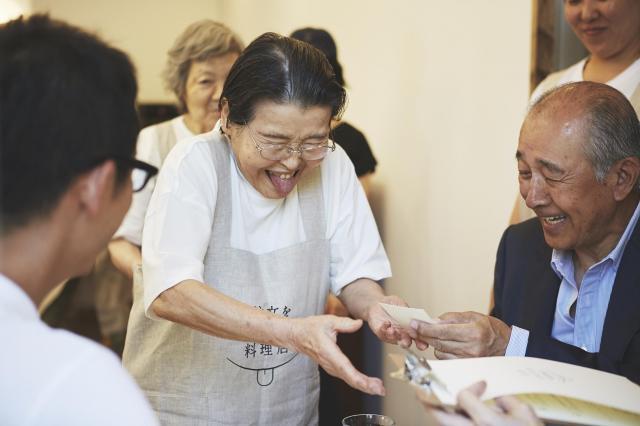 6月のプレオープンが話題となった「注文をまちがえる料理店」=注文をまちがえる実行委員会提供