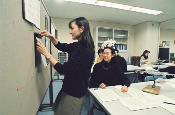【1997年】名古屋空港全日空の国内線スチュワーデス待機室