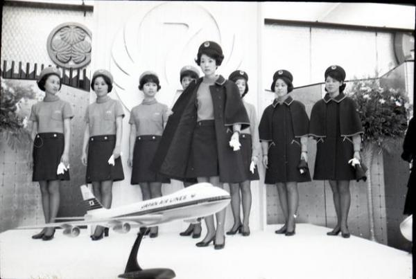 【1969年】日本航空客室乗務員の新しい制服