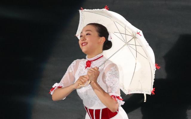 地元開催のアイスショーで、演技を披露する浅田真央さん=2017年8月4日、名古屋市、吉本美奈子撮影