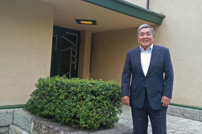 自由学園最高学部長を務めている渡辺憲司さん=東京・池袋にある自由学園明日館で