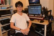 都内にある自身のスタジオで取材に応じるRAM RIDERさん