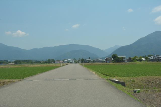 酷道に向かうまでは田園風景