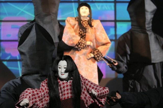 「ボーカロイドオペラ 葵上 with 文楽人形」の一場面=2014年3月13日