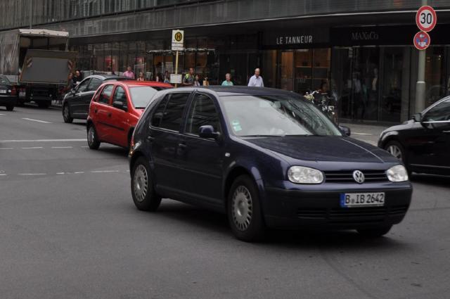 街中を走るドイツ車