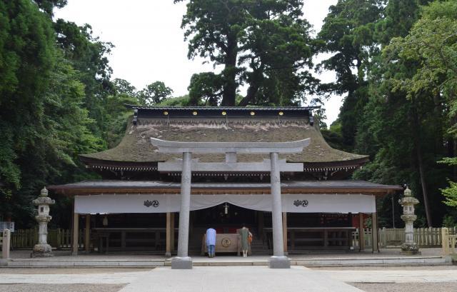 鹿島神宮の拝殿=茨城県鹿嶋市、野口みな子撮影