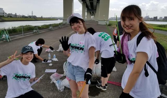 ボランティアプログラムに参加した人たち。若い世代が多いという