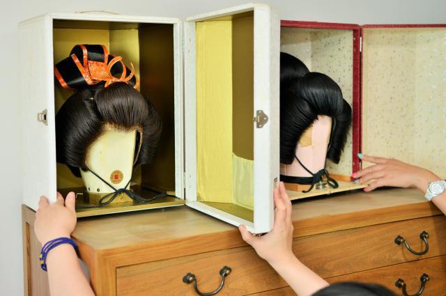 和装用のかつらも自宅にありました。こちらも日本製