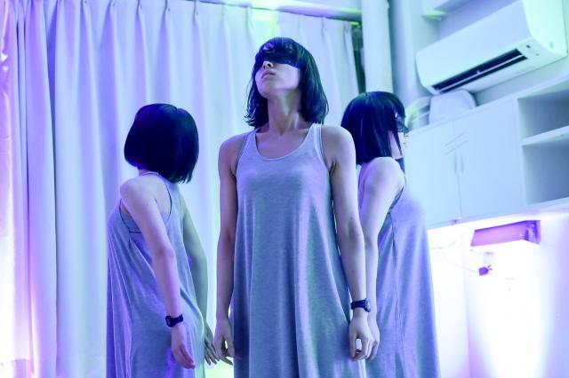 病室に現れた少女たち©龍/Tatsu