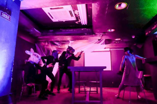 白昼夢のような地下室での場面©龍/Tatsu