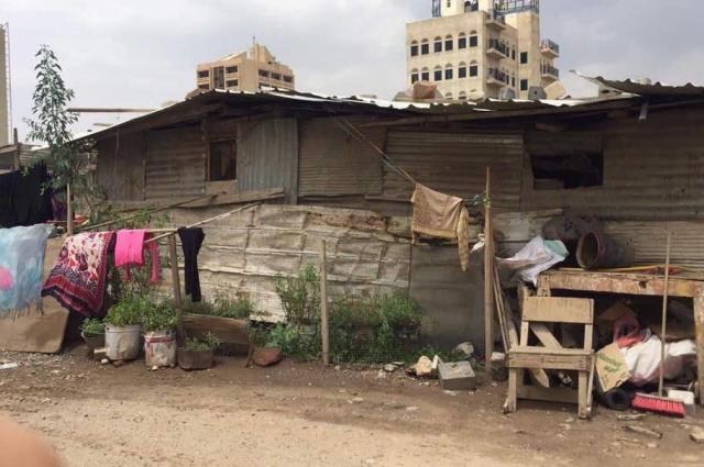 マリアムさんたちが食料を送った家族が住むサナアの家。国内でも内戦の被害が大きい場所から逃げてきた人々が住んでいるという=マリアムさん提供
