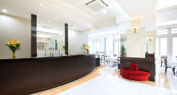 立川アーバンホテルのフロント
