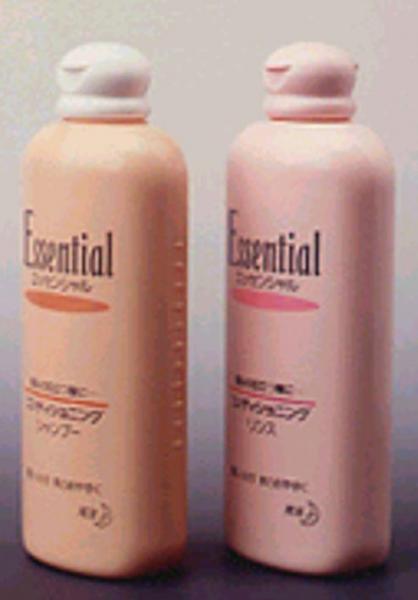 最初にギザギザのついたシャンプー容器(左)。1991年10月に登場した