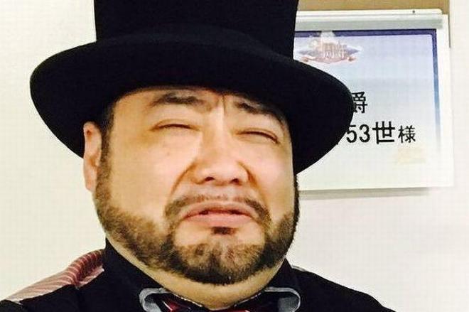 """有難く、そして厄介な仕事でもある『食レポ』。""""一発屋""""髭男爵の山田ルイ53世さんは、六軒回り七品の肉料理のうち四品が豚肉という日もあったという"""