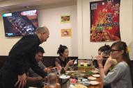 新宿で羊料理の店を営むジンさん。「中国人と日本人の会話には違いがあります」と語る=朝日新聞社