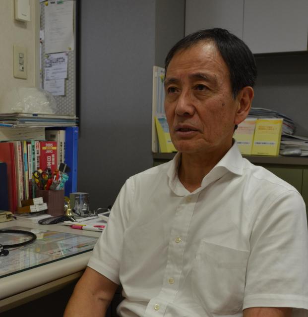 小児科医の山中龍宏さん=横浜市