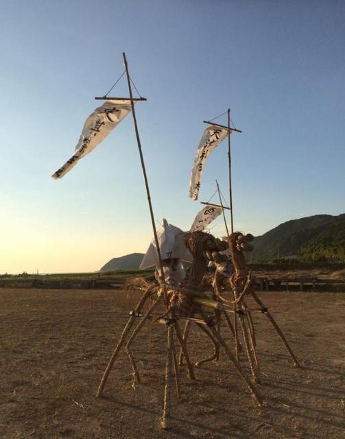 昨年の「サバー送り」は、神事をせずに海に送られた=2016年、山口県下関市豊浦町宇賀