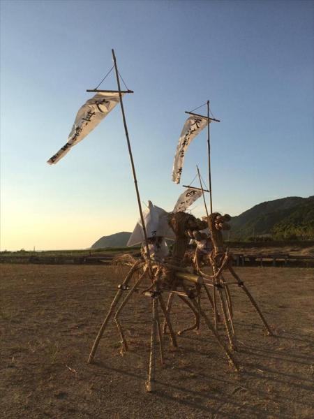 昨年の「サバー送り」は、神事をせずに海に送られた=2016年、山口県下関市豊浦町宇賀、 村上明さん提供