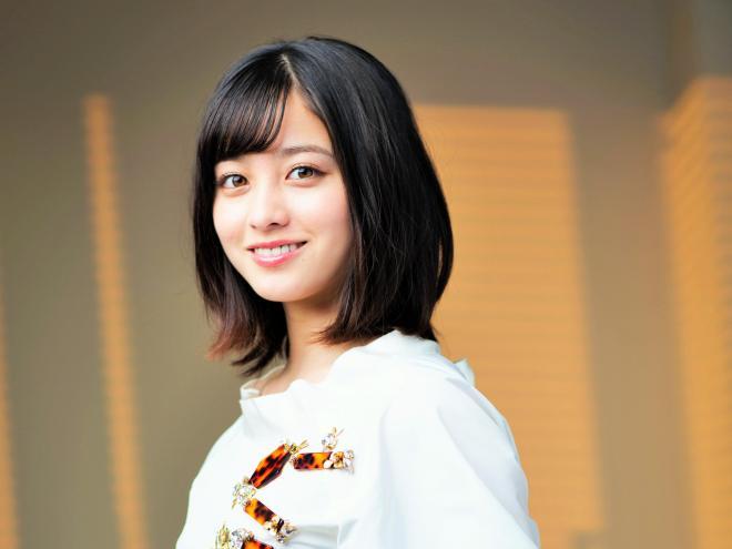 「天使すぎるアイドル」と呼ばれて人気の橋本環奈さん