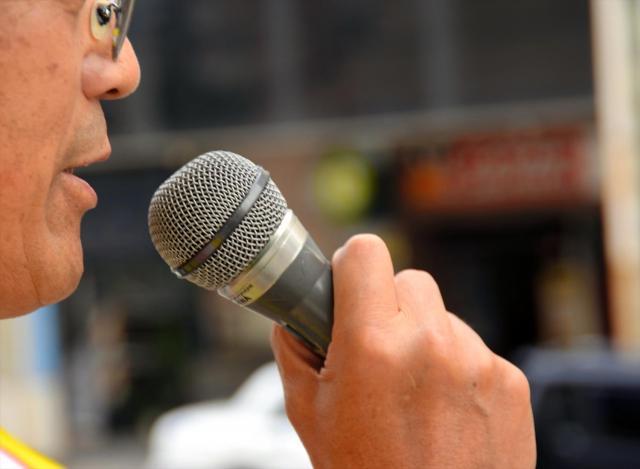 街頭で演説する立候補予定者=2017年9月23日、長崎市