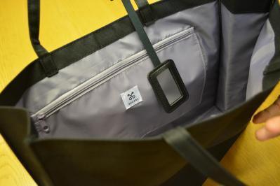 「GLOW」11月号の付録のマナーバッグはサザビーが監修。ミラーチャームをつけるアイデアもサザビー側から