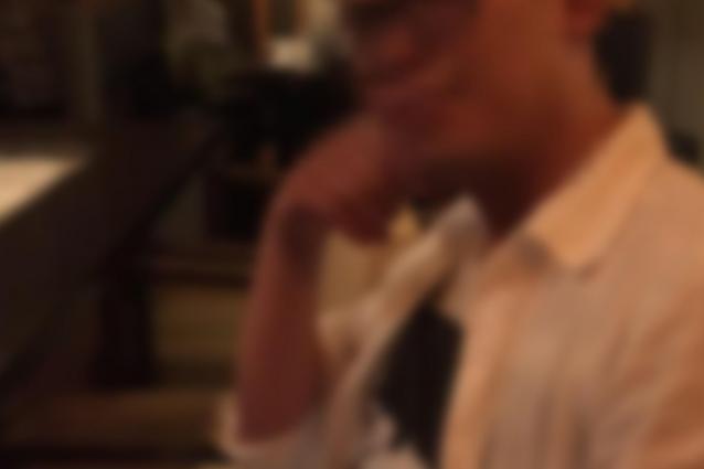 マネジャー役の男性。女子学生にピルの服用期間の指示やきちんと飲んだかを確認する「ピル係」もやっていた