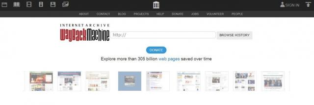 「Explore more than 305 billion web pages saved over time」(時を超え保存された3050億以上のウェブページを探索せよ)