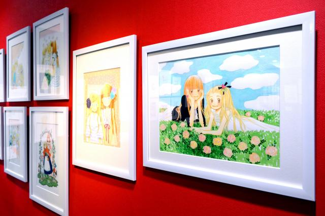 「ハチミツとクローバー」の原画展に出品された作品=2016年8月3日