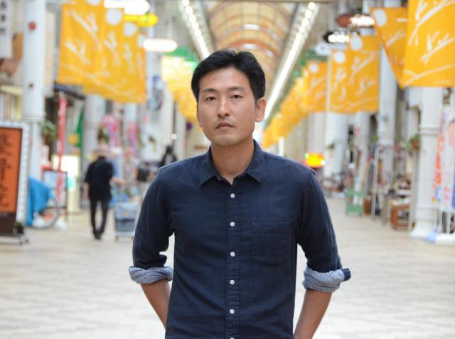 藤岡利充監督。現在は、地元の山口県で映像ディレクターの仕事をしている