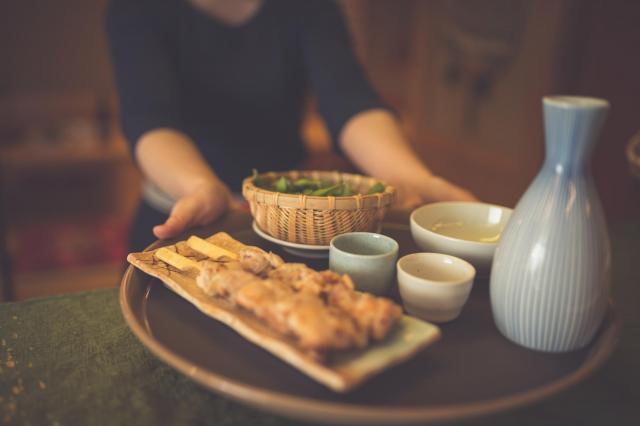 教科書にもなかなか出ない居酒屋の日本語も学んだ ※写真はイメージです