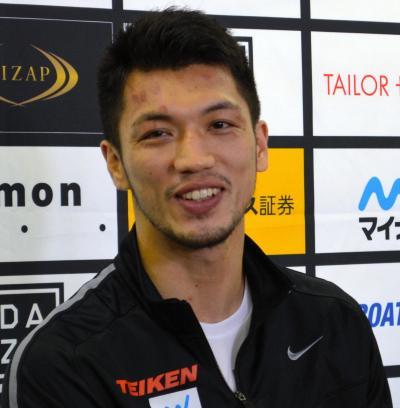 チャンピオンとなった一夜明けで喜びを語る村田選手