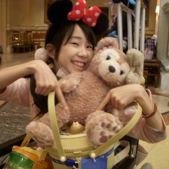 抗がん剤の治療中でも東京ディズニーリゾートを楽しんだ清川千里さん(家族提供)