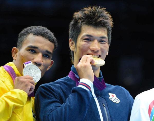 ロンドン五輪のボクシング男子ミドル級で金メダルを獲得した村田諒太選手