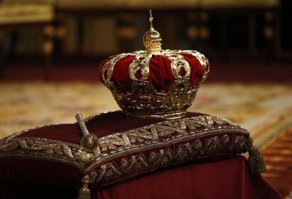 スペイン国王のフェリペ6世の戴冠式=2014年6月16日
