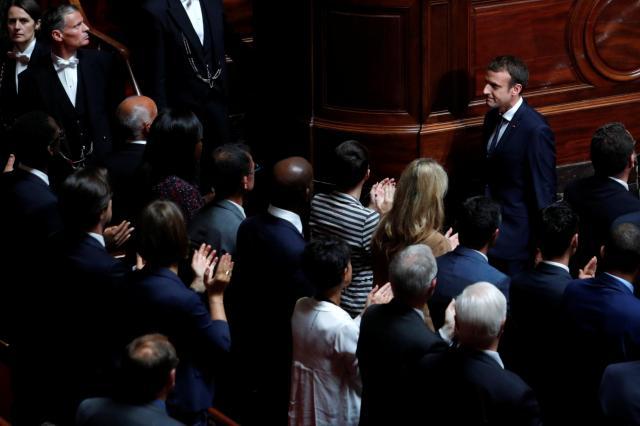 フランス国会での演説を終えたマクロン大統領=2017年7月3日