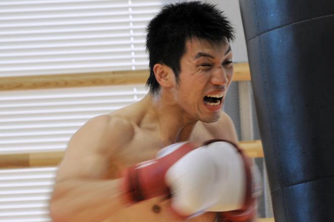 ロンドン五輪に内定した直後の村田諒太選手=2011年10月27日