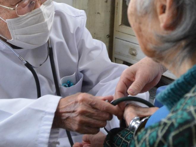 新潟県小千谷市での診察の様子