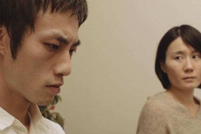 映画「微熱」の続編。ギャンブル依存症という病気を初めて知る夫婦の場面