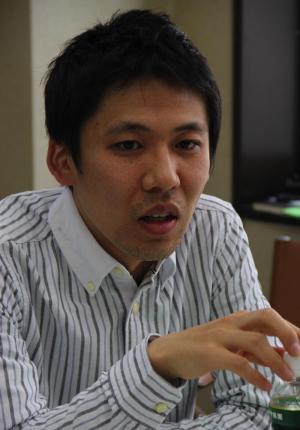 監督の小澤雅人氏