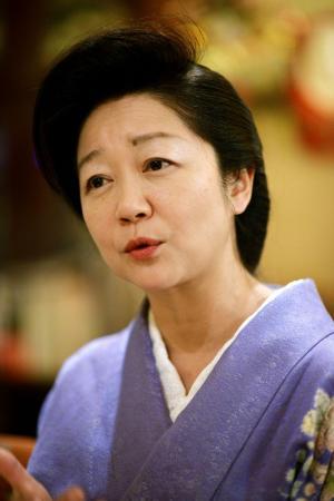クラブ「稲葉」のママ・白坂亜紀さん