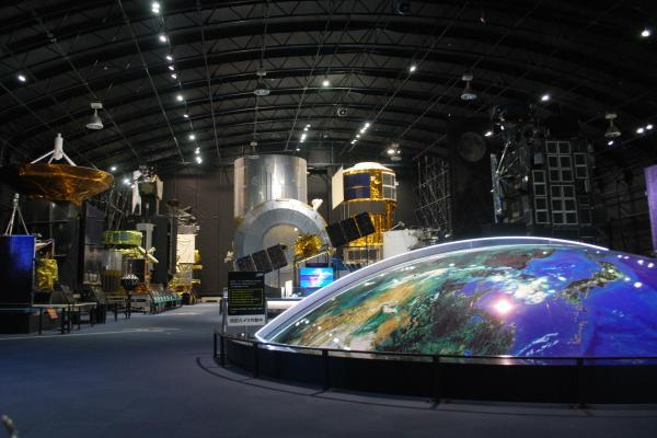 展示館「スペースドーム」の内部