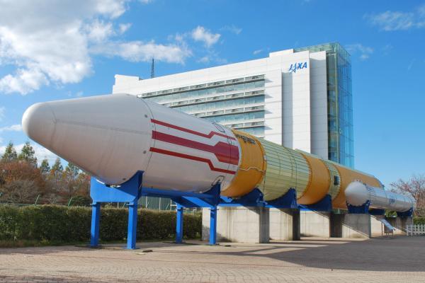 H2ロケットの実機が展示されている「ロケット広場」