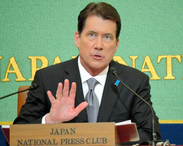 「とにかく一生懸命働く」と語る米国のハガティ駐日大使=11月17日、東京・内幸町の日本記者クラブ