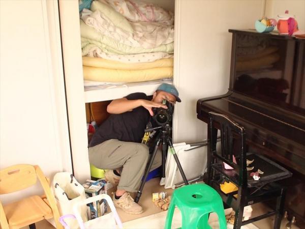中間貯蔵施設の建設予定地で、間もなく取り壊される住宅の子供部屋には4台のカメラを置いた=福島県双葉町