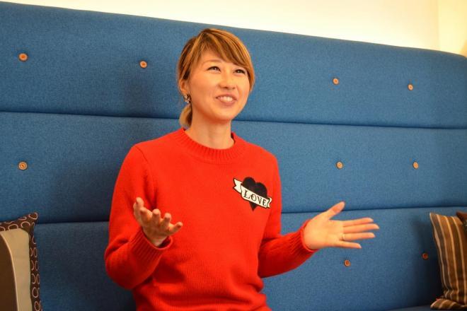 約100万のチャンネル登録者がいるバイリンガール・吉田ちかさん