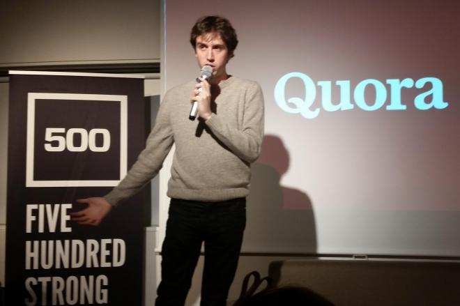来日中の11月13日、東京・渋谷であったイベントで「Quora」について説明するアダム・ディアンジェロ共同創業者兼CEO